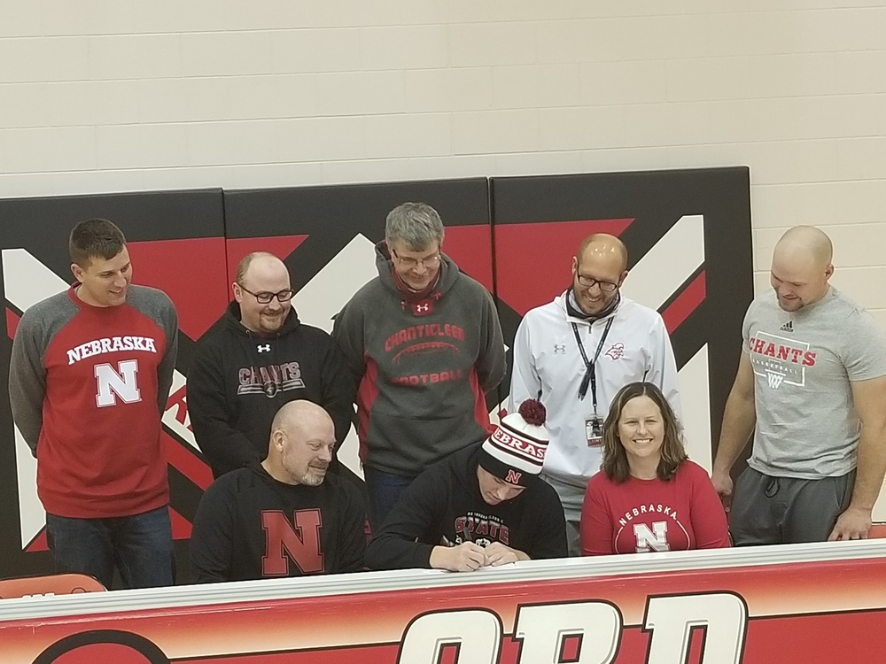 Meyer Signs With Huskers